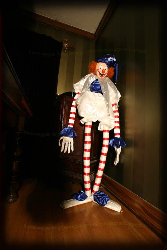Lifesize Poltergeist Clown Replica! - The Green Head