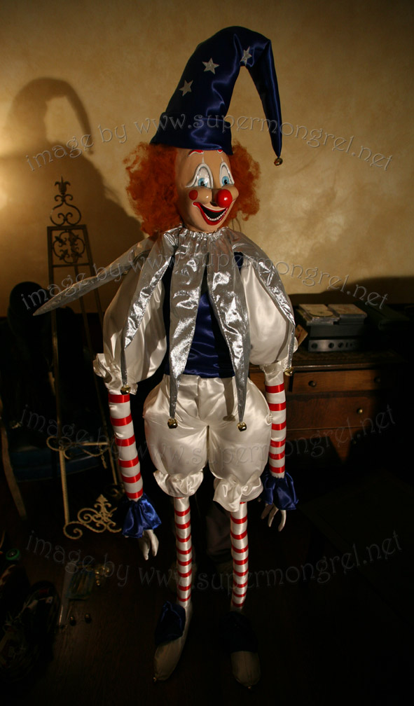 lifesize poltergeist clown replica   the green head