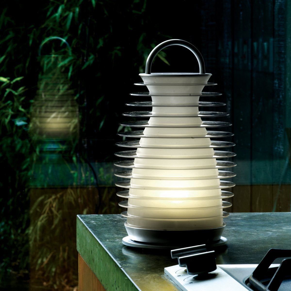 mathmos bump portable color changing lantern the green. Black Bedroom Furniture Sets. Home Design Ideas