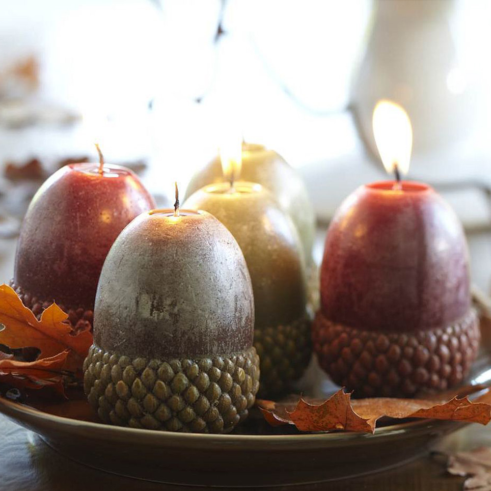 Mini acorn candles the green head for Acorn decoration ideas