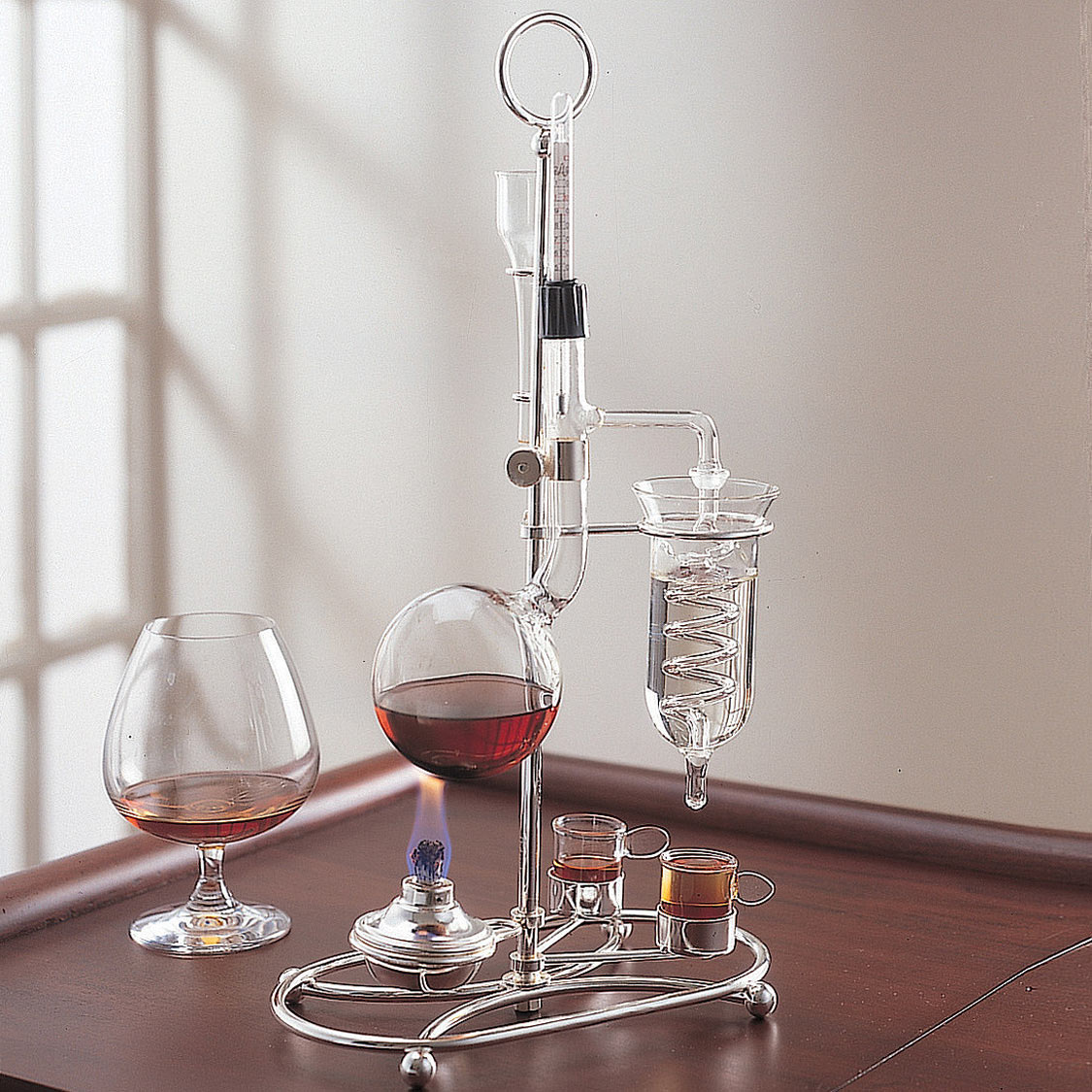 Miniature Distilling Machine Turn Wine Into Brandy