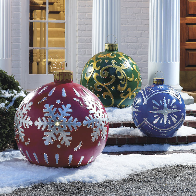 massive outdoor lighted christmas ornaments - Lighted Christmas Lawn Decorations
