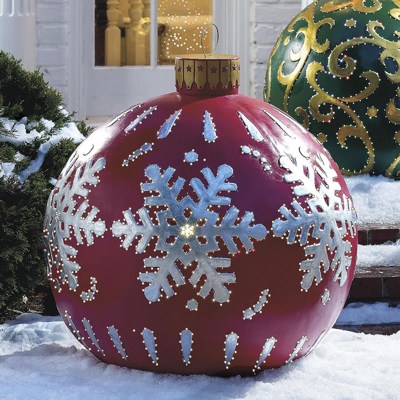 massive outdoor lighted christmas ornaments - Large Christmas Yard Decorations