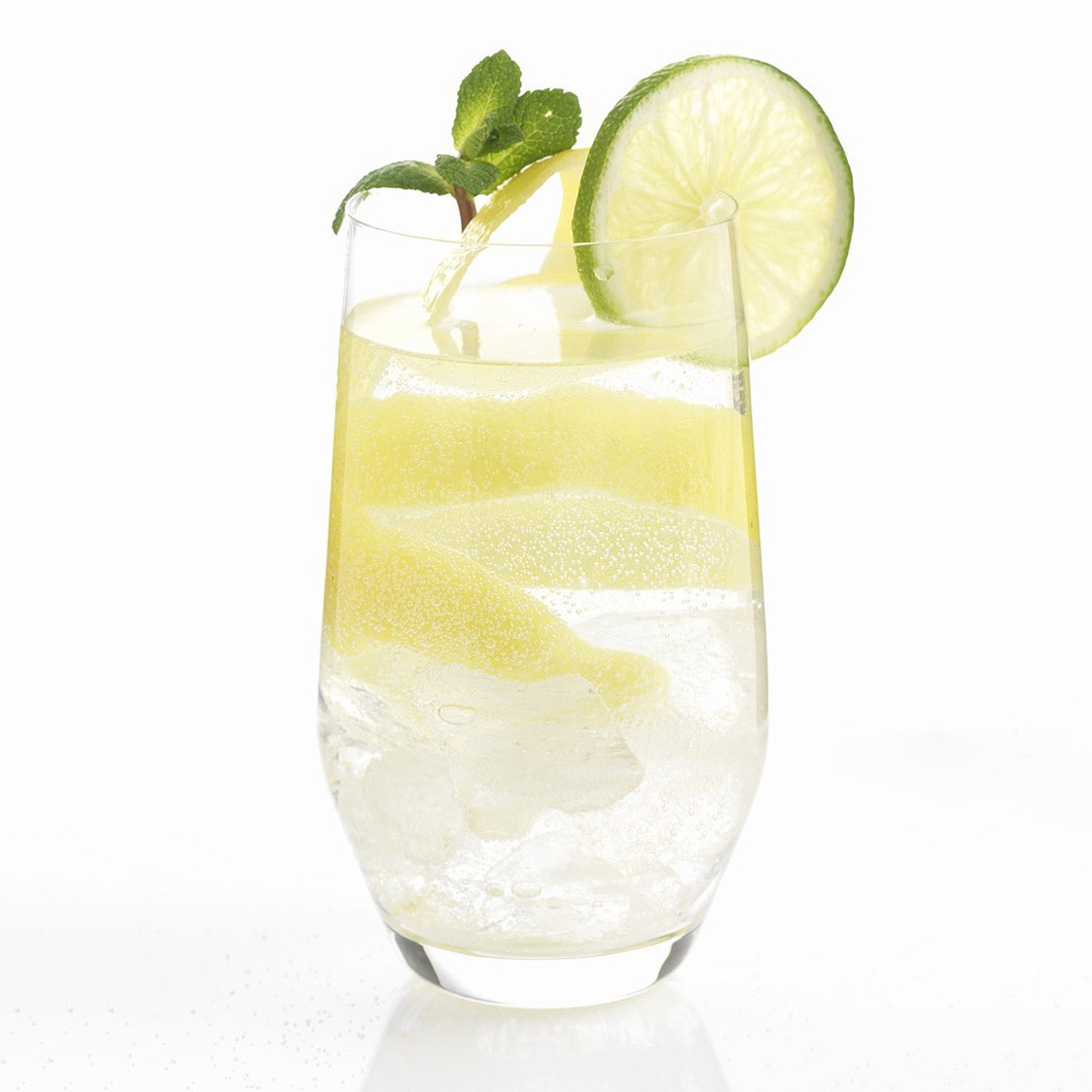 Purefizz soda maker instantly carbonate water juice for Sparkling water mixed drinks