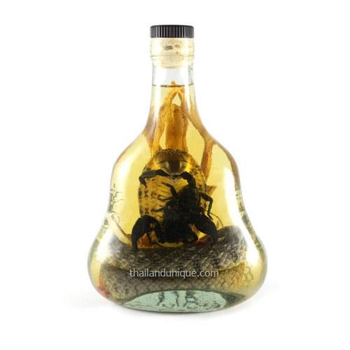 Real Cobra Snake amp Scorpion Whiskey The Green Head