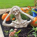 Screaming Skeleton Statue