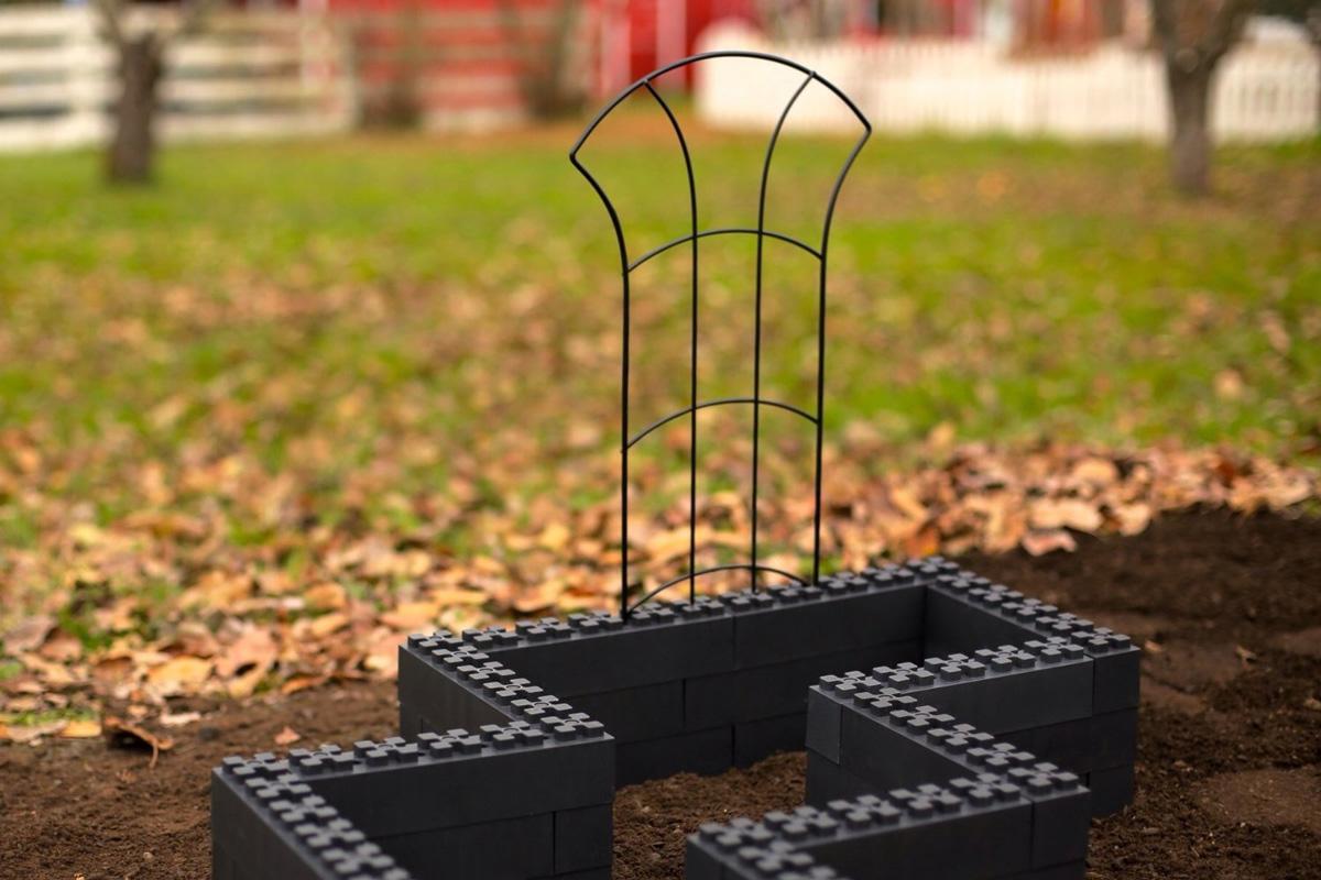 Togetherfarm Blocks Modular Interlocking Garden Box Kit