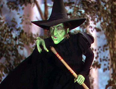 Wicked Witch Of The West Flying On Her Broom Lifesize Talking Wicke...
