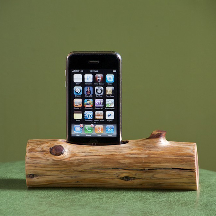 woodtec wooden log iphone ipod docking station the. Black Bedroom Furniture Sets. Home Design Ideas