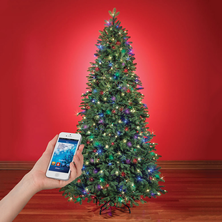 Lighting Of Christmas Tree 2014: App-Controlled Music And Light Show Christmas Tree