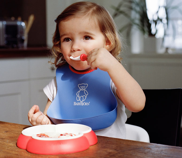 Baby Bjorn Soft Bib - Scoop Catches Mess