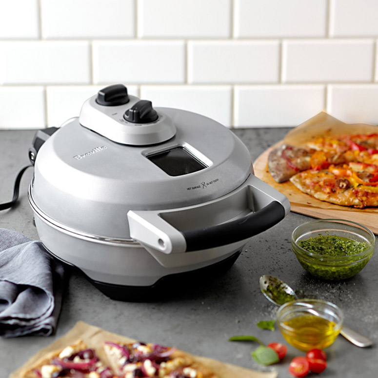 Breville crispy crust pizza maker the green head for Utensilios pizza