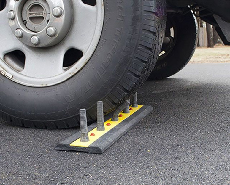 DrivewaySpikes - Fake Rubber Spikes To Deter U-Turns and Unwanted Vehicles