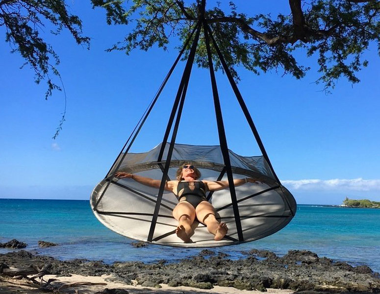 Flying Saucer Hanging Hammock Chair