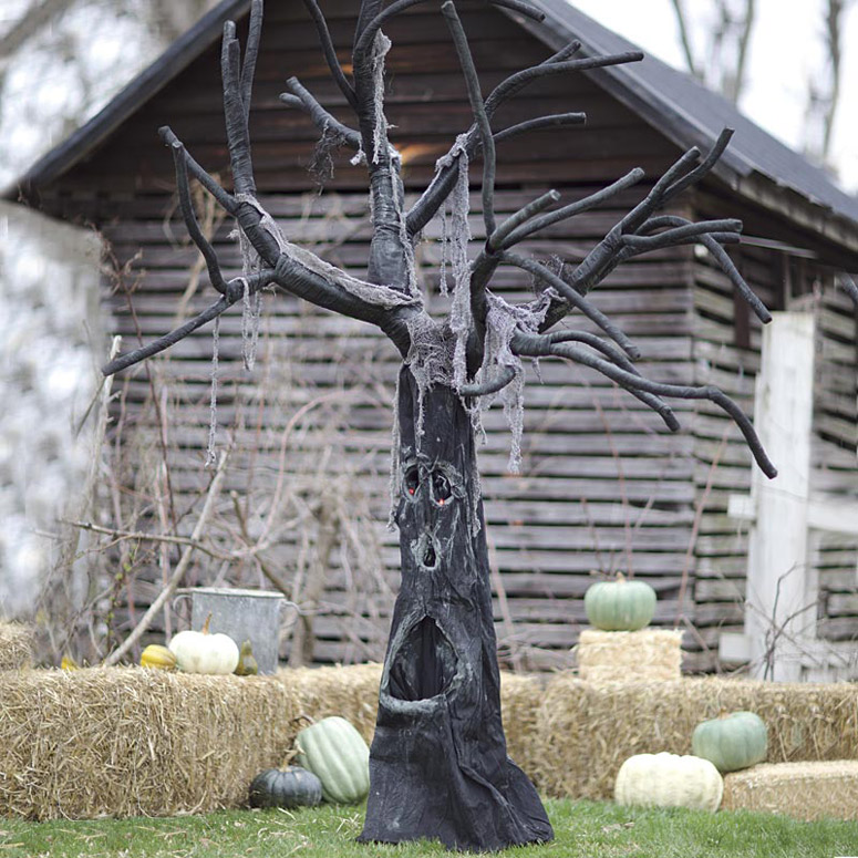 Motion activated spooky tree with halloween sounds the green head