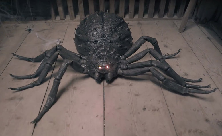 Giant Remote Control Spider