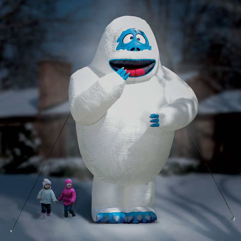 Gigantic 15 foot inflatable bumble the abominable snow for Abominable snowman christmas decoration