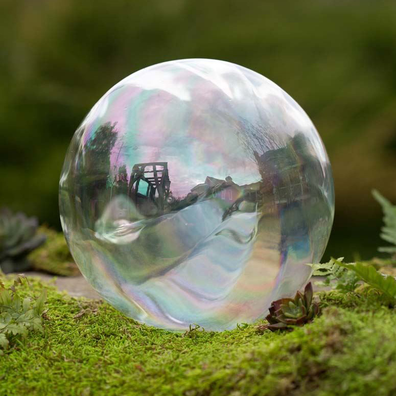 Exceptionnel Realistic Giant Glass Bubble Garden Ornament