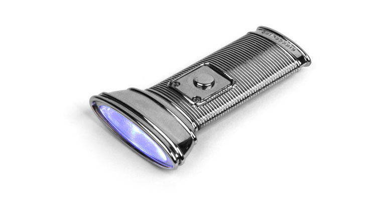 Kikkerland Flat Flashlight