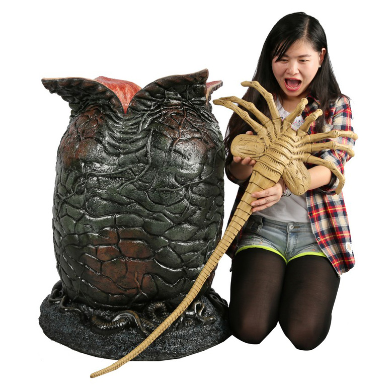Lifesize ALIEN Egg and Facehugger Prop Replica