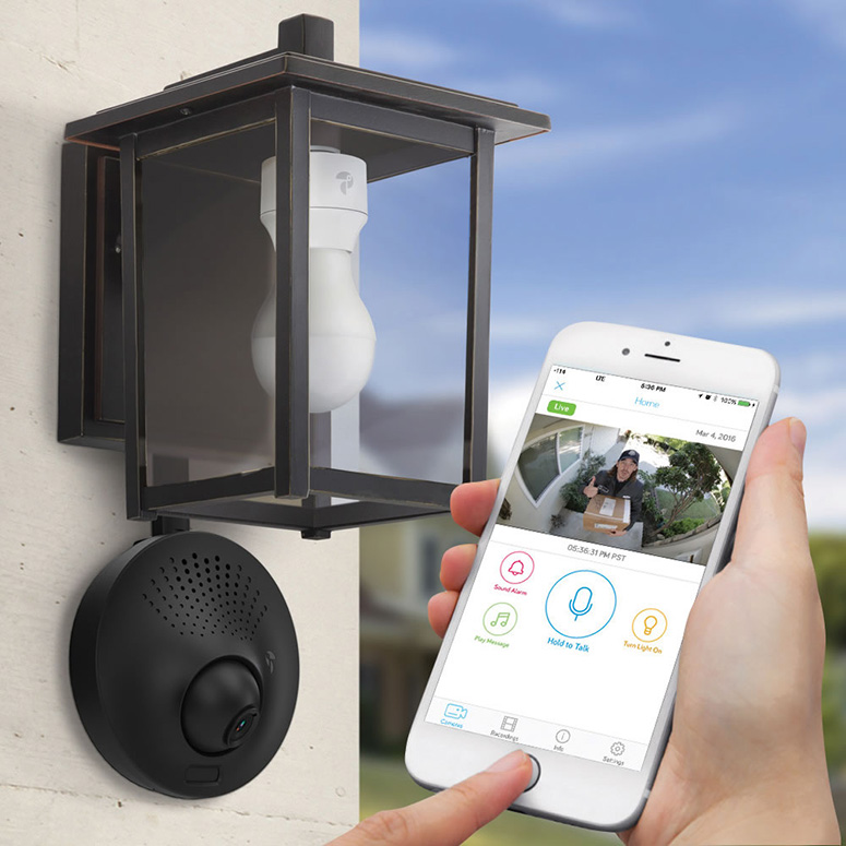 light socket powered wi fi security camera the green head. Black Bedroom Furniture Sets. Home Design Ideas