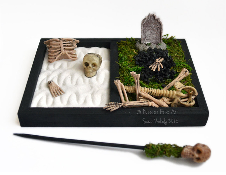 Mini halloween zen garden cemetery the green head for Mini zen garden designs