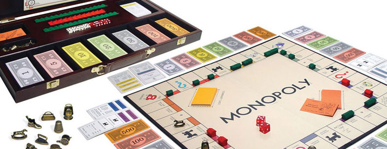 Monopoly Deluxe - 1935 Wood Edition