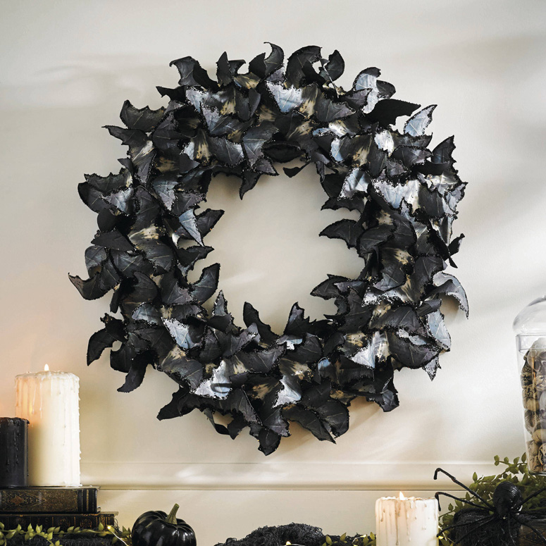 Thanksgiving Alcohol: Paper Bats Halloween Wreath