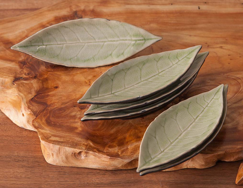 Riviera Leaf Appetizer Plates