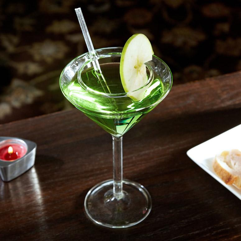 unique martini glasses vodka martini sipatiniz spillpreventing martini glasses the green head