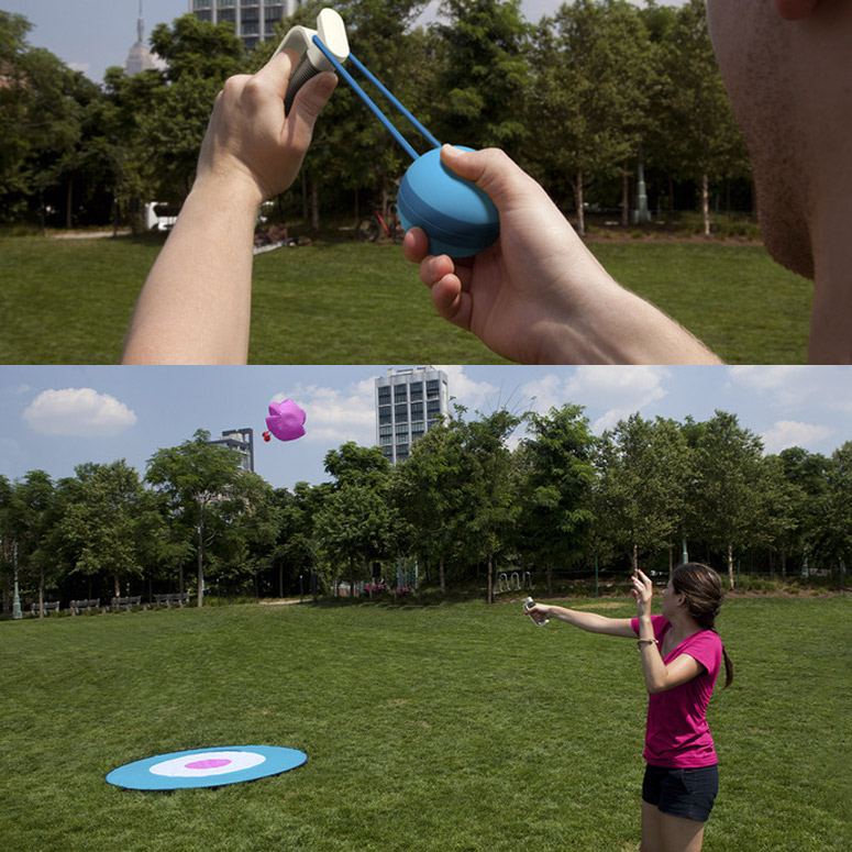 Stratachute - Parachute Ball Lawn Game