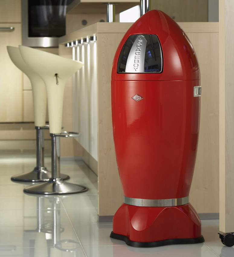 wesco spaceboy xl rocket ship trash can the green head. Black Bedroom Furniture Sets. Home Design Ideas